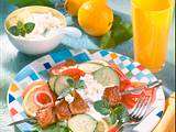 Schnitzel-Spieß auf Salat Rezept