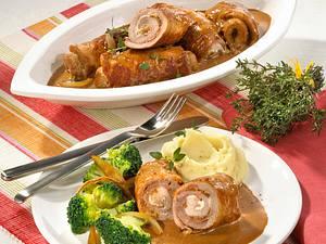 Schnitzelröllchen mit Röstzwiebeln Rezept