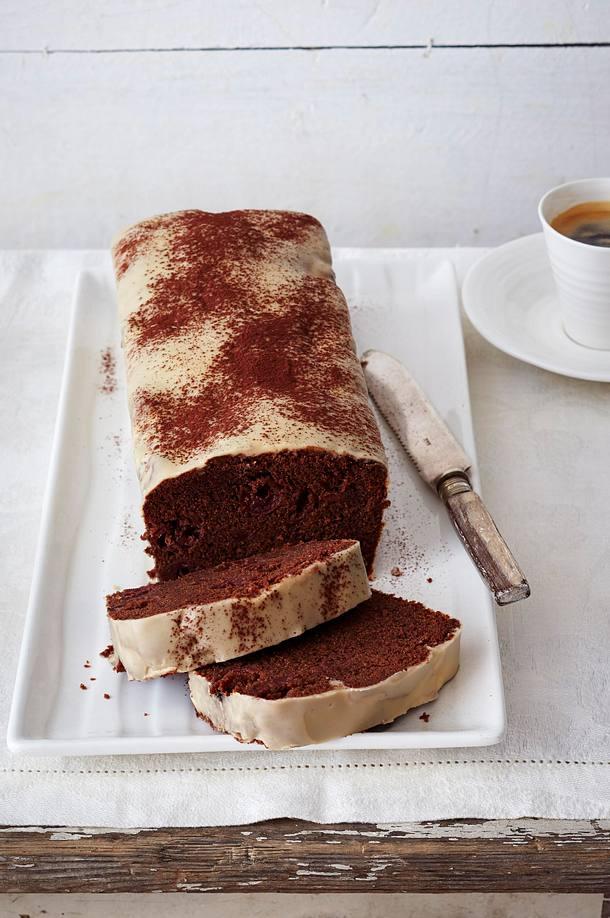 schoko kirsch kuchen mit baileys glasur rezept lecker. Black Bedroom Furniture Sets. Home Design Ideas