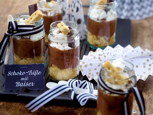 Schoko-Trifle mit Baiser Rezept