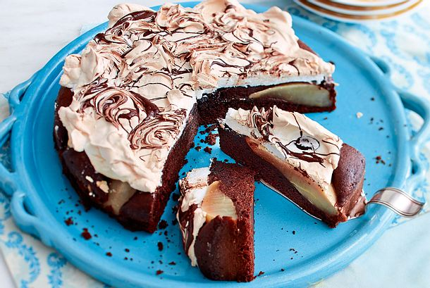 Schokoladen-Birnen-Kuchen mit zarter Baiserhaube Rezept