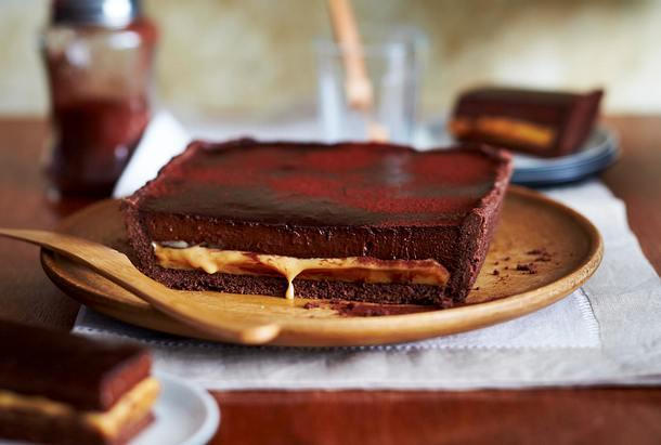 schokoladen karamell tarte rezept lecker. Black Bedroom Furniture Sets. Home Design Ideas