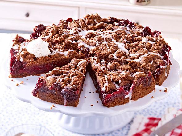 Schokoladen-Streusel-Kuchen mit Kirschen Rezept