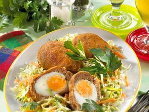 Schottische Eier auf Krautsalat Rezept