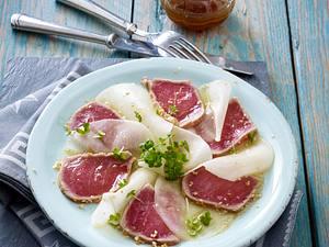 Schwarzer Rettich-Carpaccio mit Sesam-Thunfisch in Sojamarinade Rezept