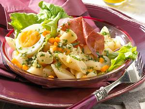 Schwarzwurzel-Möhren-Salat mit Ei Rezept