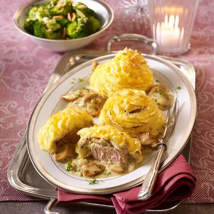 Schweinefilet im Kartoffelteig mit Brokkoli Rezept
