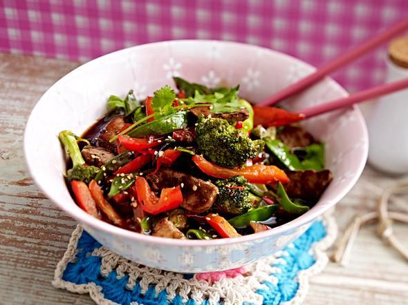 Schweinefilet und buntes Gemüse aus dem Wok Rezept