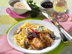 Schweinefleisch mit Johannisbeer-Spaghetti Rezept