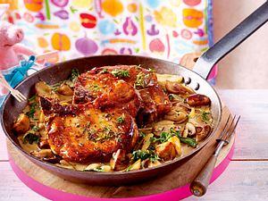 Schweinekoteletts mit Pilz-Spinat-Rahm-F8826401