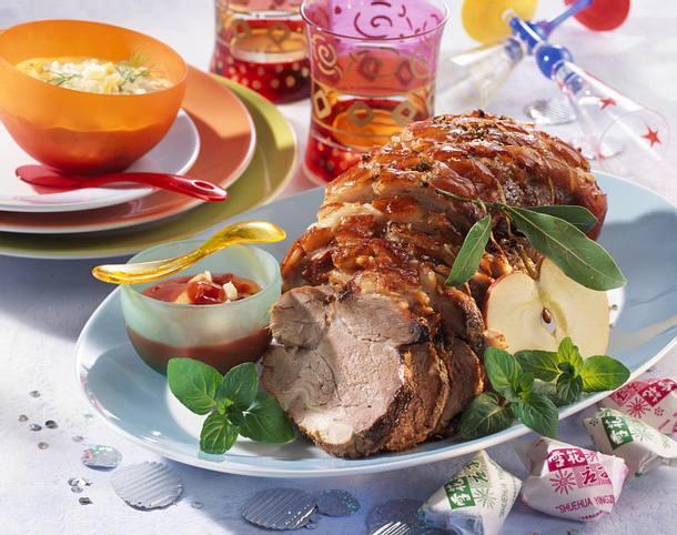 Schweinekrustenbraten mit zwei Soßen Rezept