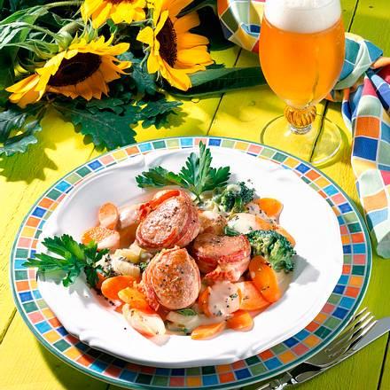 Schweinemedaillons mit buntem Gemüse und Käsesoße Rezept