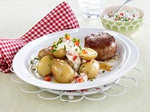 Schweinemedaillons mit neuen Kartoffeln und Quark Rezept
