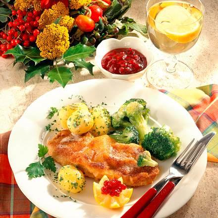 Schweineschnitzel mit Preiselbeeren und Broccoli Rezept