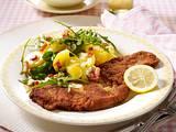 Schweineschnitzel zu Rauke-Kartoffel-Speck-Salat Rezept