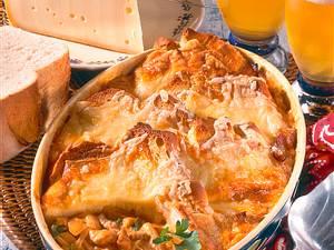 Schweizer Käse-Brot-Auflauf Rezept