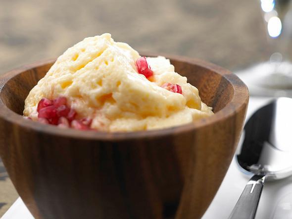 Sektcreme mit Granatapfelkernen Rezept