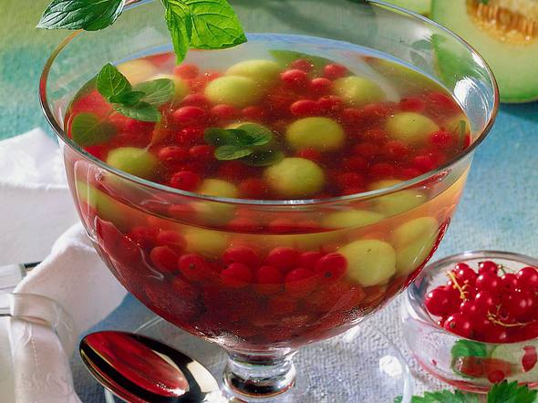 Sektgelee mit Beeren Rezept