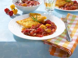 Selbst gemachte Tomatensoße mit Polentaschnitten Rezept