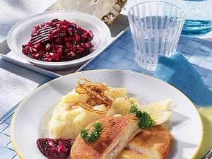 Sellerie-Cordon bleu mit Kartoffelpüree und Rote Bete Salat Rezept