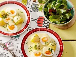 Senfeier mit Petersilien-Kartoffeln Rezept
