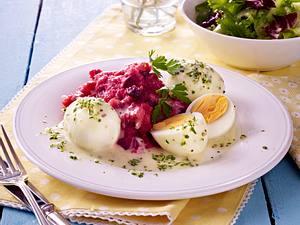 Senfeier mit Rote Bete-Püree, Gremolata und Salat Rezept