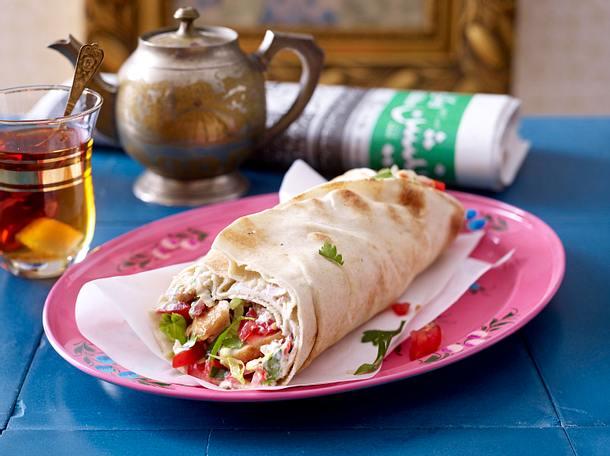 Shawarma mit Putenfleisch, Salat und Tomate Rezept