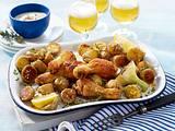 Sommerliche Blechkartoffeln mit Hähnchenkeulen und Aioli Rezept