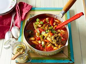Sommerlicher Paprika-Bohnen-Eintopf mit Kürbiskern-Tapenade Rezept