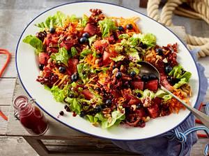 Sommersalat mit Ahornsirup-Speck-Croutons Rezept