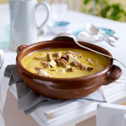 Sopa boba (Mallorquinische Hühnersuppe mit Mandeln) Rezept