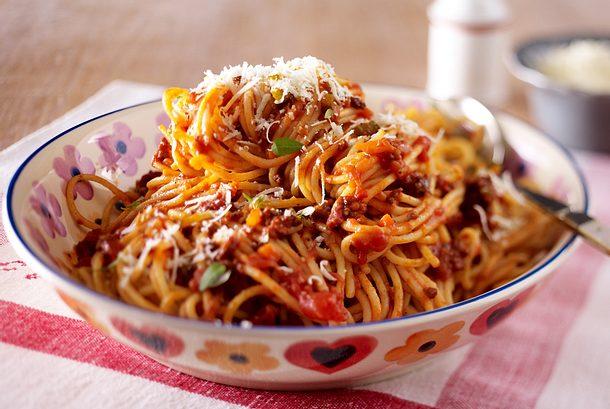spaghetti bolognese rezept lecker. Black Bedroom Furniture Sets. Home Design Ideas