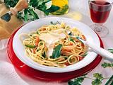 Spaghetti in Salbeibutter (für 4 Personen) Rezept