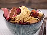 Spaghetti mit gebratenem Radicchio und Steakstreifen Rezept