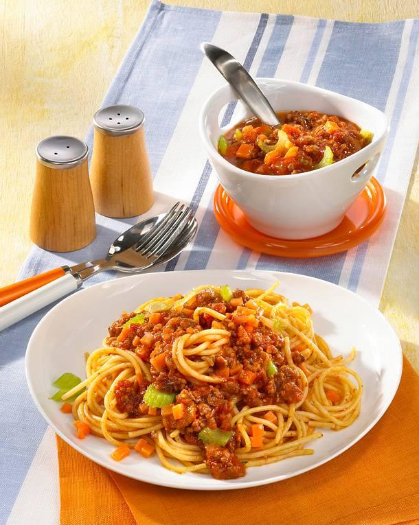 spaghetti mit hackfleischso e rezept lecker. Black Bedroom Furniture Sets. Home Design Ideas