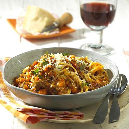 spaghetti mit k rbis bolognese rezept lecker. Black Bedroom Furniture Sets. Home Design Ideas