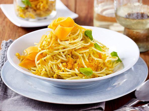 Spaghetti mit Möhren-Pesto Rezept