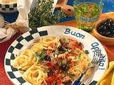 Spaghetti mit Oliven-Thunfisch-Soße Rezept
