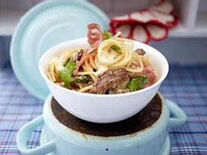 Spaghetti mit Rinderfiletspitzen und Fenchelsalami Rezept