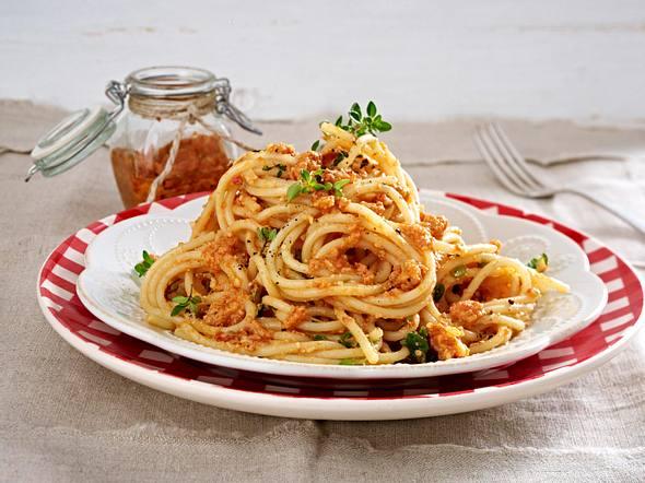Spaghetti mit rotem Pesto Rezept