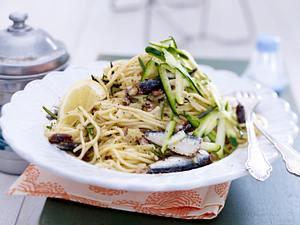 Spaghetti mit Sardinen und frischer Zucchini Rezept