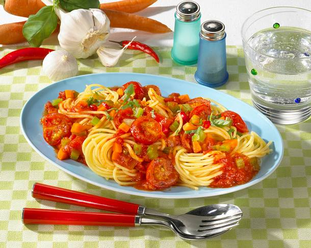 Spaghetti mit scharfer Tomatensoße Rezept
