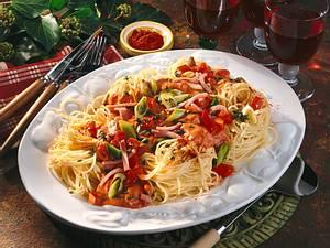Spaghettinester mit Gemüsesoße Rezept