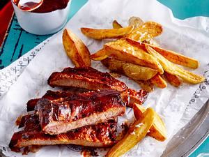 Spareribs mit BBQ-Soße und Kartoffelecken Rezept