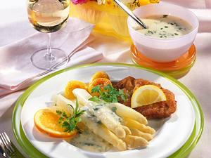 Spargel mit Kerbelsahne & Wiener Schnitzel Rezept