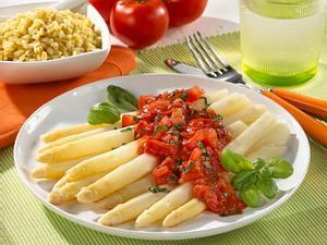 Spargel mit leichtem Tomaten-Sugo Rezept