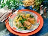 Spargelragout mit Kräuter-Lachsfilet in Blätterteig Rezept