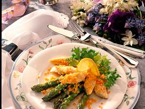 Spargelsalat mit Schollenfilet und Linsen Rezept