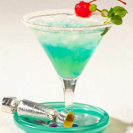 Blue lagoon cocktail rezept  Sparkling Blue (Silvester-Cocktail) Rezept | LECKER