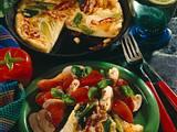 Speck-Lauchzwiebel-Pfannkuchen mit Tomatensalat Rezept